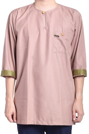 Kurta Amin Kelasik in Light Brown